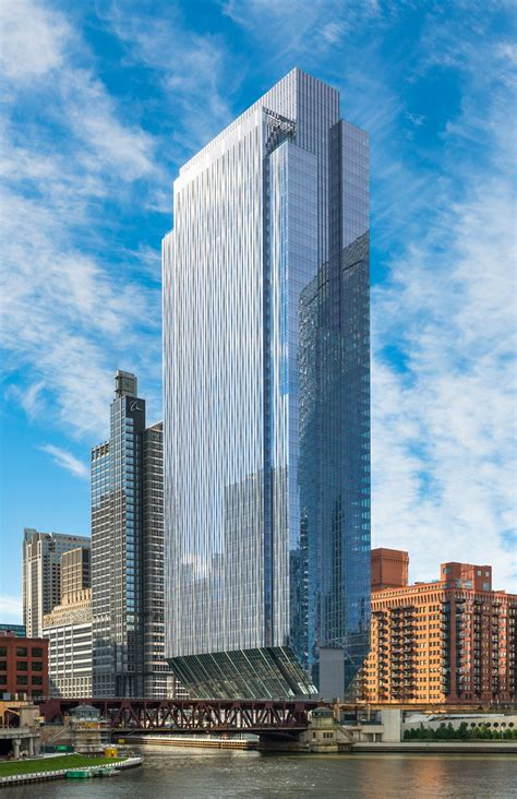 150 North Riverside / Goettsch Partners   ArchDaily